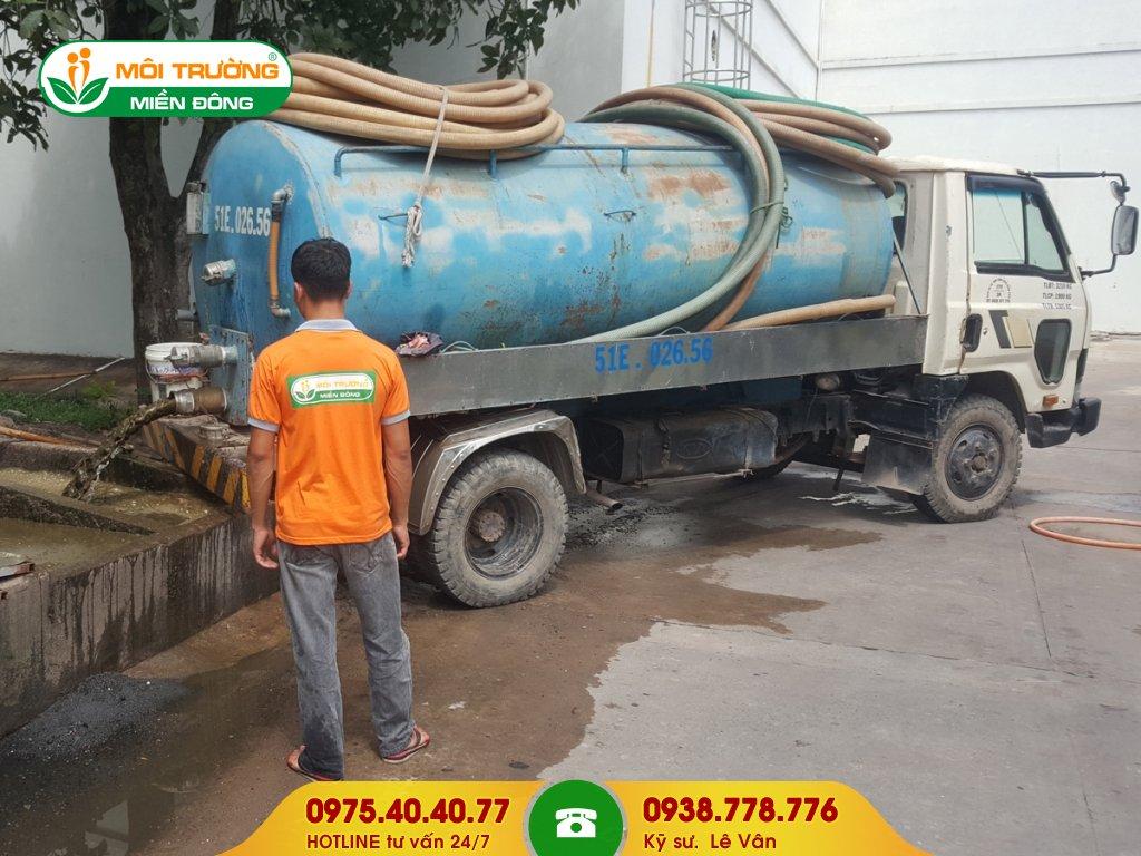 Đội thợ hút hầm vệ sinh khu công nghiệp
