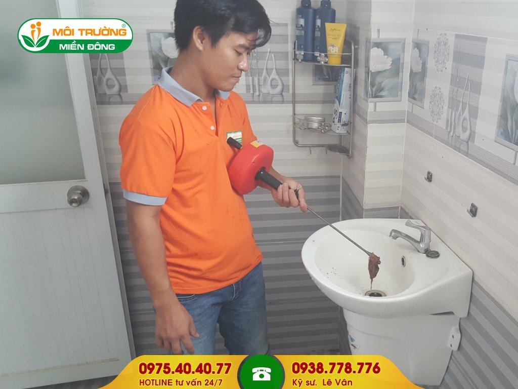 Đội thợ thông tắc lavabo khu công nghiệp